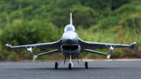 Freewing F-16 Fighting Falcon EPO 878mm Deluxe Edition...
